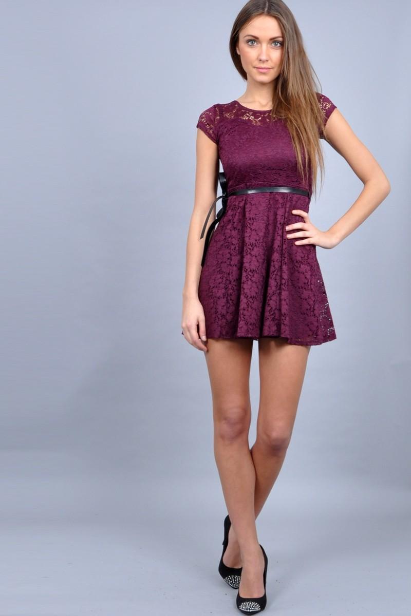 Фиолетовое кружевное платье купить