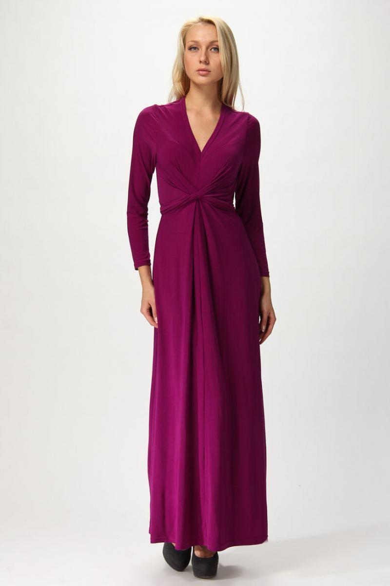 Горловина в платье с длинным рукавом
